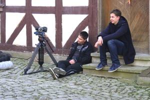 Kameramann und Regisseur ruhen sich aus